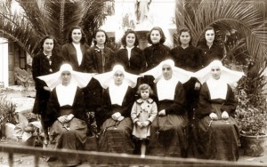 Monjas, 1944